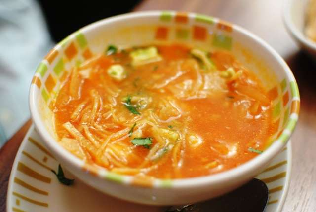 EASY Crockpot Chicken Tortilla Soup