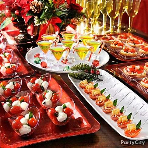 Holiday Cocktail Party Ideas and Tips